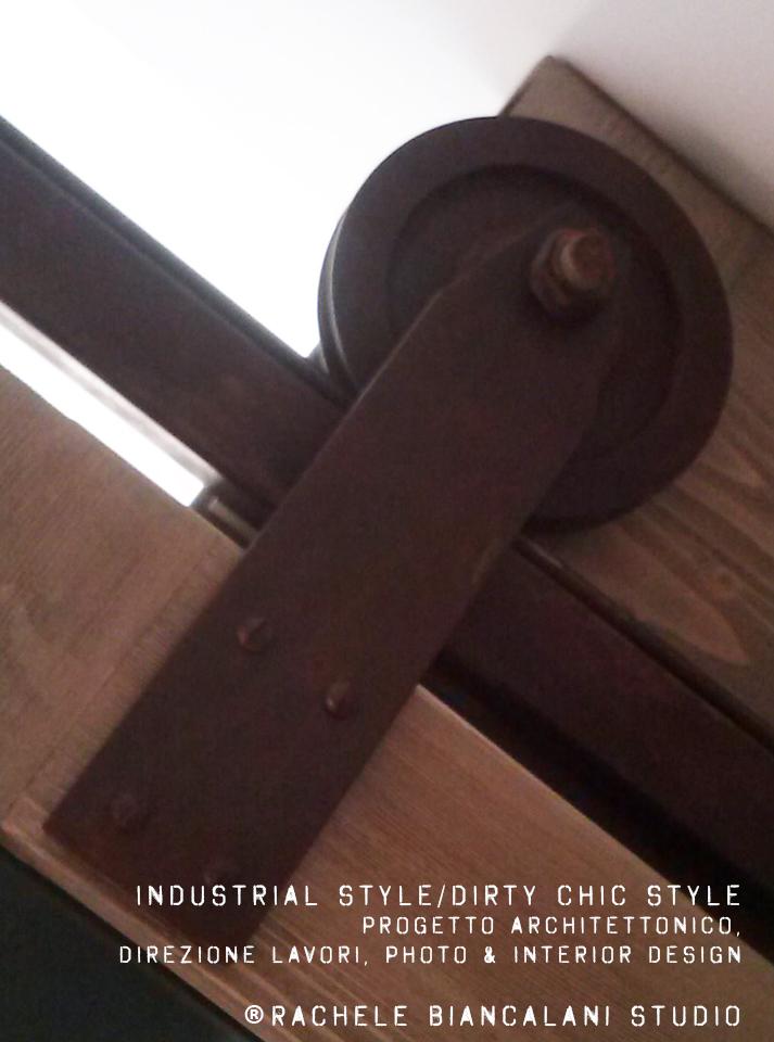 rusty-sliding-doors-barn-vintage-oldstyle-design-rachelebiancalani-studio-tuscany-italy-details